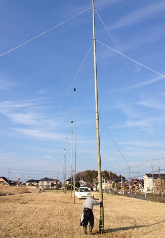 4月2日に14mの竹の支柱建てを行いました